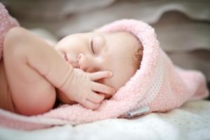 (istockphoto) sleepy_baby_girl